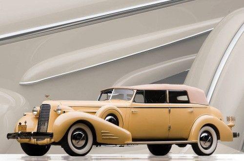1935 CADILLAC V-16 IMPERIAL