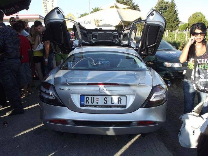 Mercedes-Benz SLR McLaren <br />Snaga je povećana na 650 KS<br />Dodani su i novi aerodinamični dodaci, crne 19-inčne aluminijske felge i veći prednji diskovi.<br />0-100 km/h - 3,6 s<br />0-200 km/h - 10,2 s<br />0-300 Km/h - 21,4 s<br />Maksimalna brzina - 337 km/h