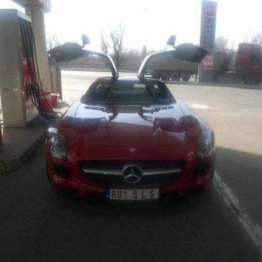 mercedes SLS malo vozikanja :)