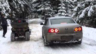 VW Phaeton 5.0 V10 TDI vs. ATV 750cc snow drag